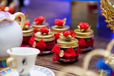 Ideias de lembrancinhas epara festa inspirada na bela e a fera