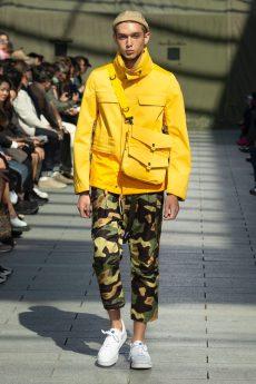 4bolsa-junya-1200x1800 Looks masculinos em amarelo
