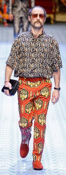 calça estampada tendências 2019 - Dolce & Gabbana
