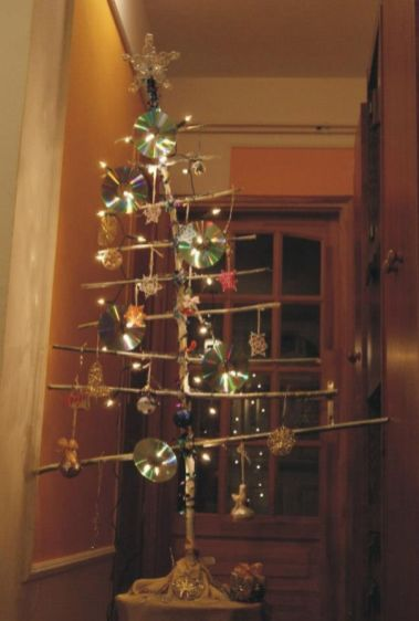 AD-100-Of-The-Most-Creative-Christmas-Trees-Ever-78