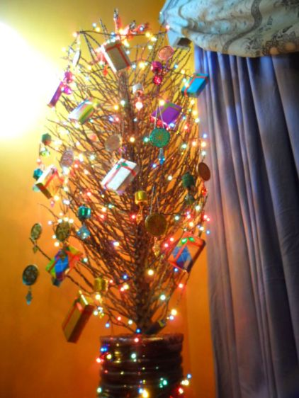 AD-100-Of-The-Most-Creative-Christmas-Trees-Ever-83