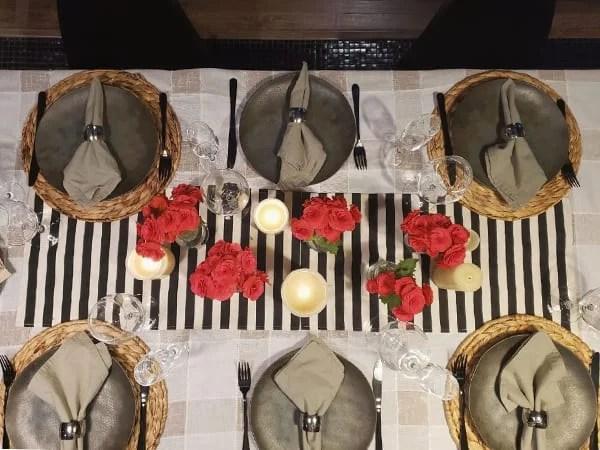 mesa posta jantar romântico preto e vermelho