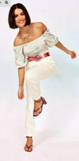 Manu Gavassi para C&A - Conjunto de blusa ciganinha e calça social