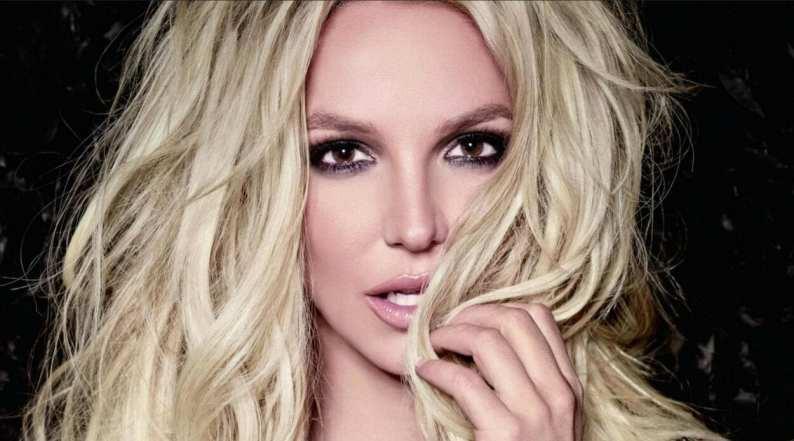 Foto de rosto sensual de Britney Spears no auge da carreira