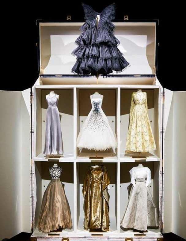 Coleção de vestidos miniaturas da Dior para outono inverno 2020 - 2021