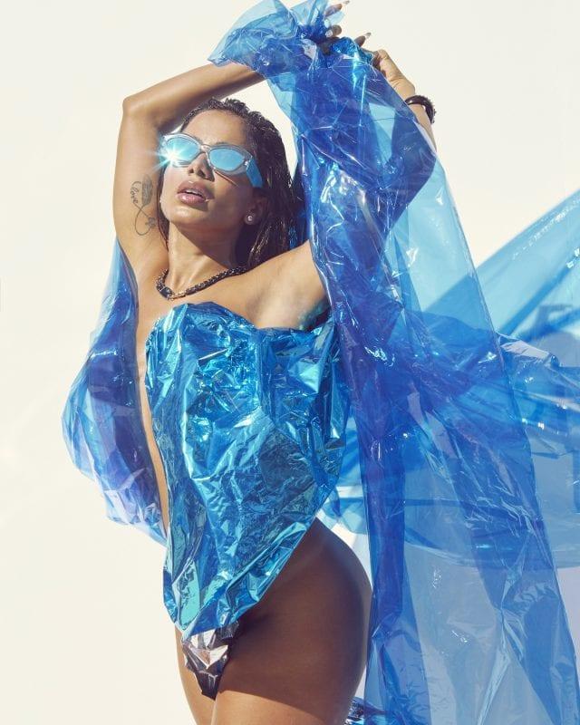 Anitta em editorial para V Magazine