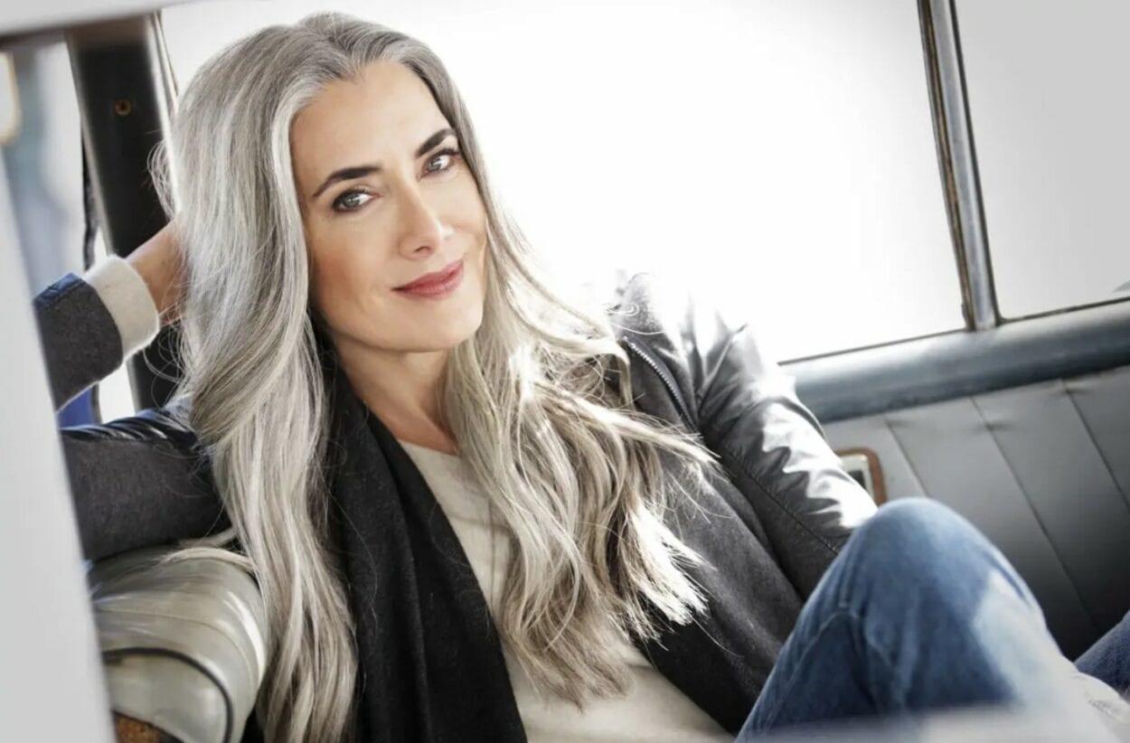 como assumir os cabelos brancos