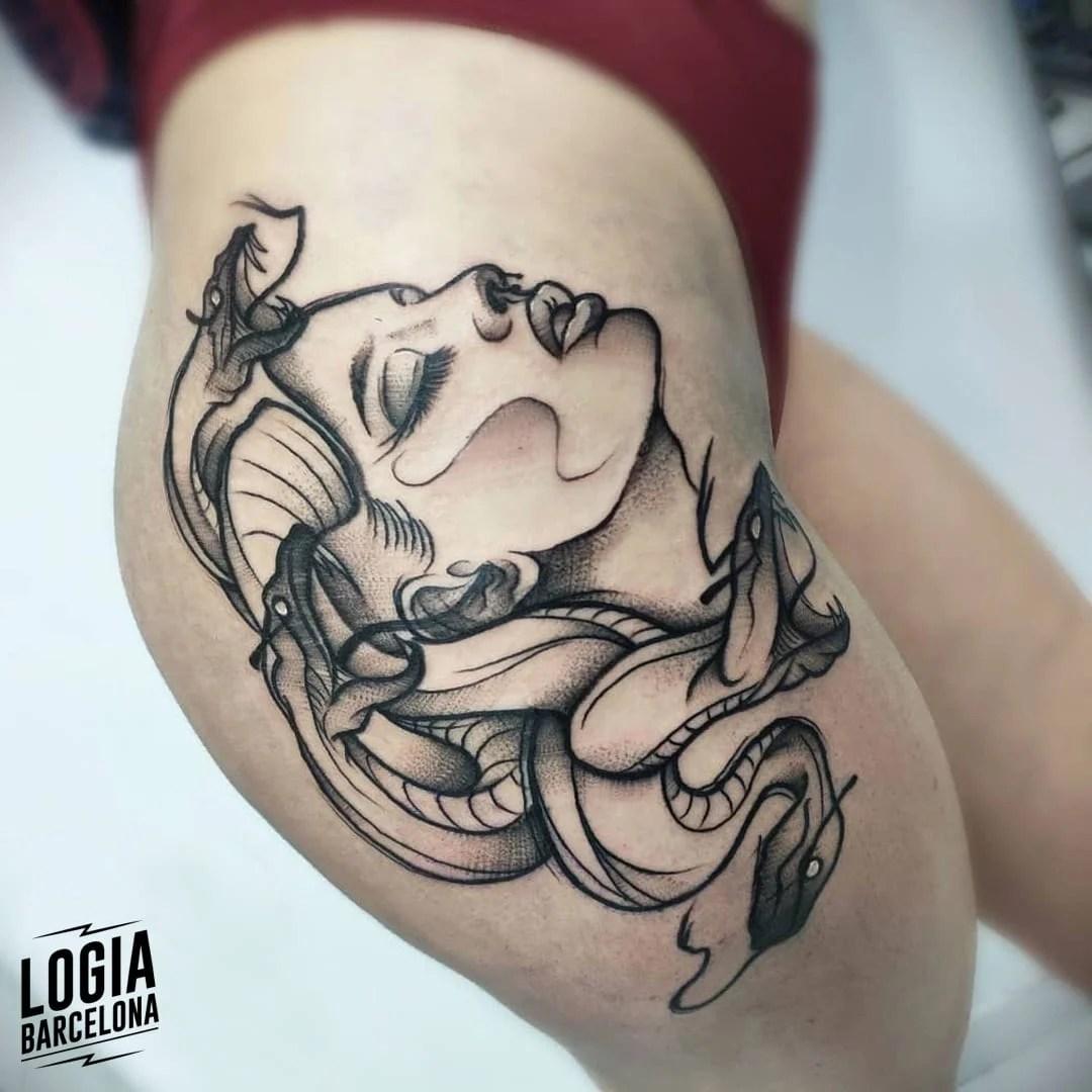tatuagem de medusa na coxa 2