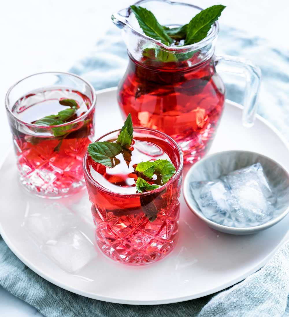 drink com chá de hibisco