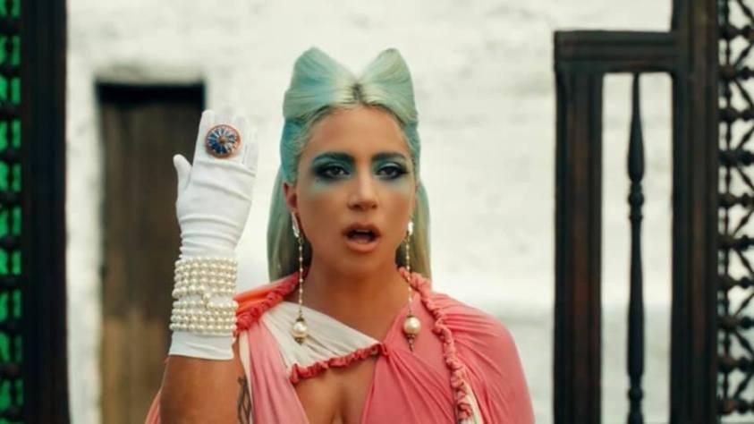 Pérolas no figurino de Lady Gaga