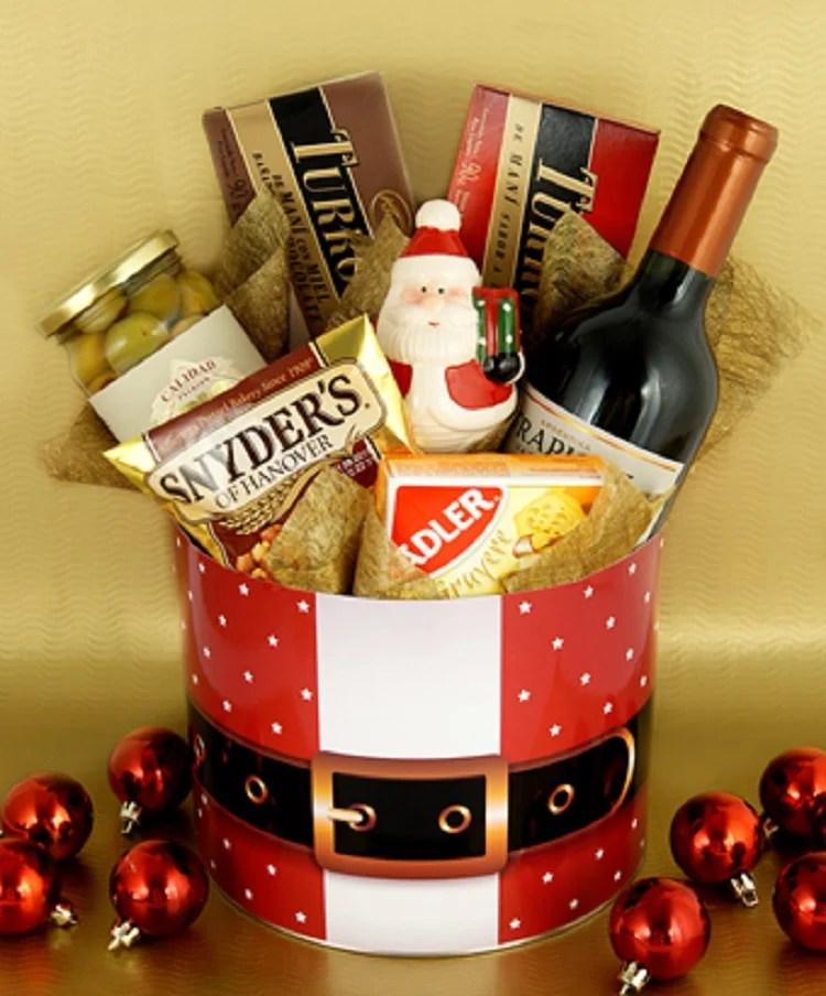 foto de caixa com vinho e chocolates