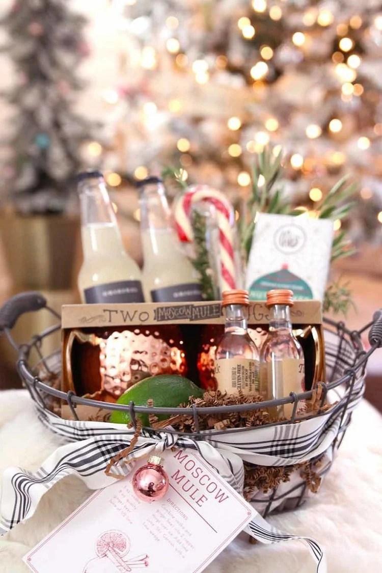 cesta de Natal com ingredientes de moscow mule