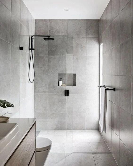 Banheiro com decoração minimalista
