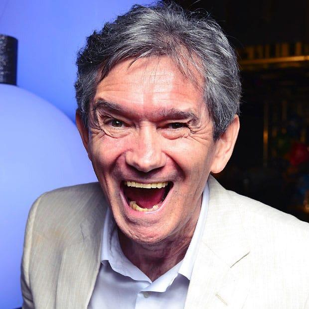 salário dos apresentadores: Serginho Groisman sorrindo pra foto