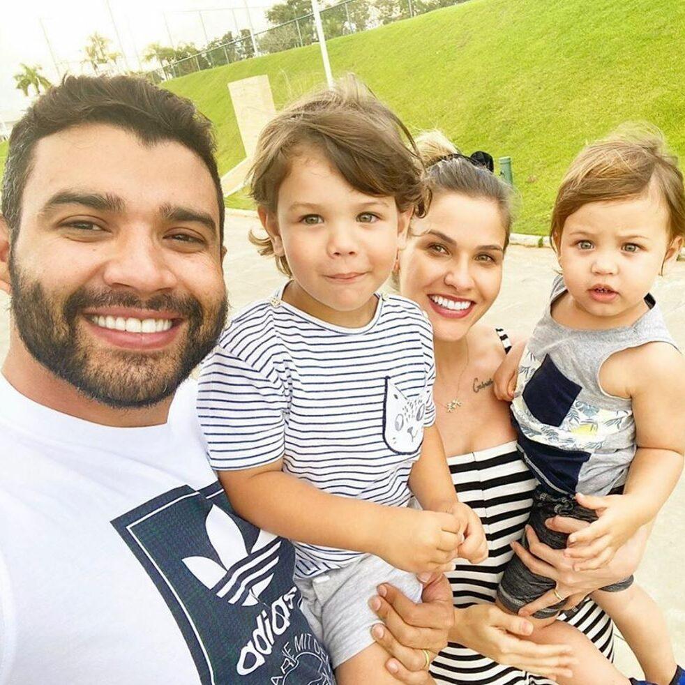 Gusttavo Lima, Samuel, Andressa Suita e Gabriel em foto juntos.