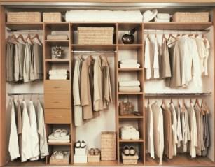 Closet masculino exemplos organização 56