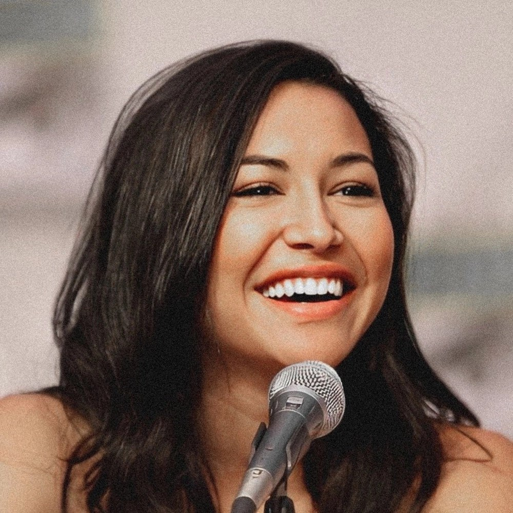Naya Rivera sorridente.