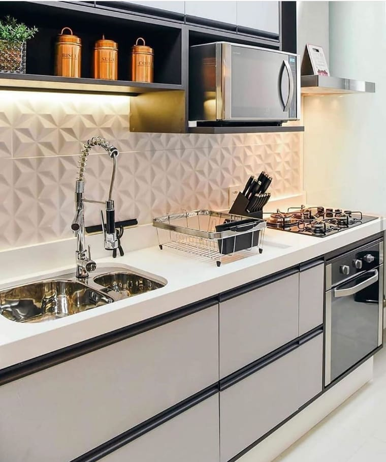 Cozinha pequena simples e decorada