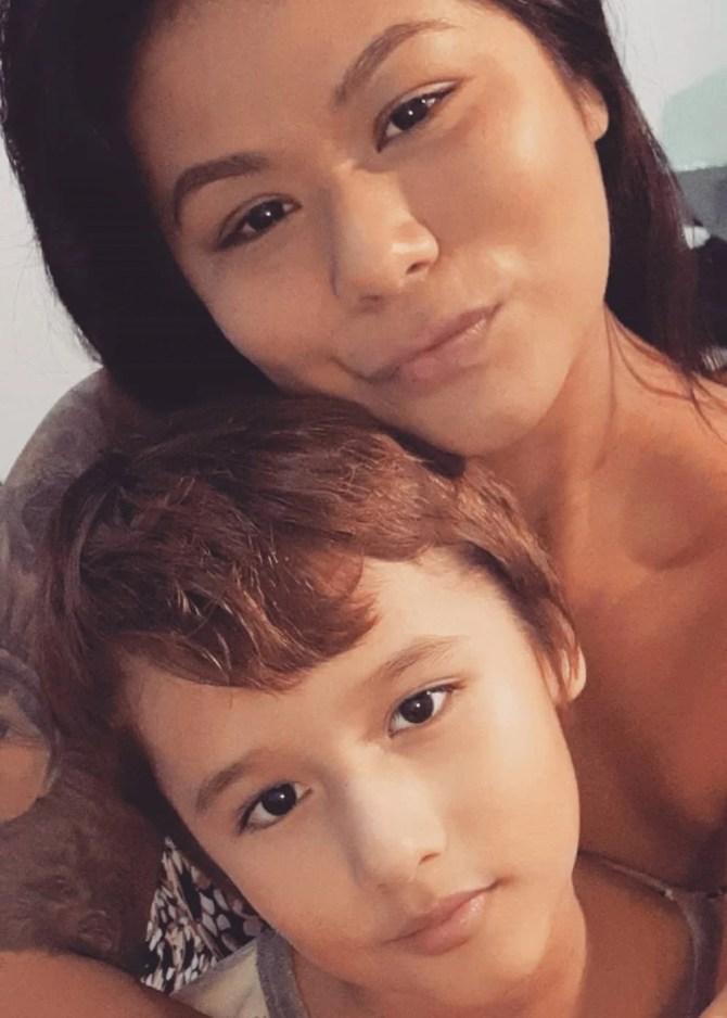 Eunice Baía e seu filho Antônio