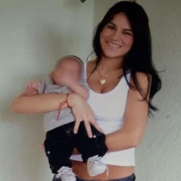 Eliza Samudio e seu filho.