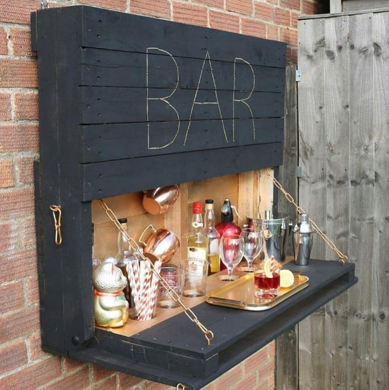 Bar com porta de pallet