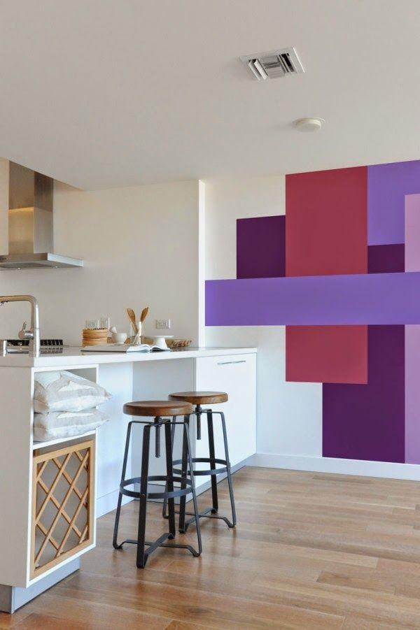Cozinha com parede colorida