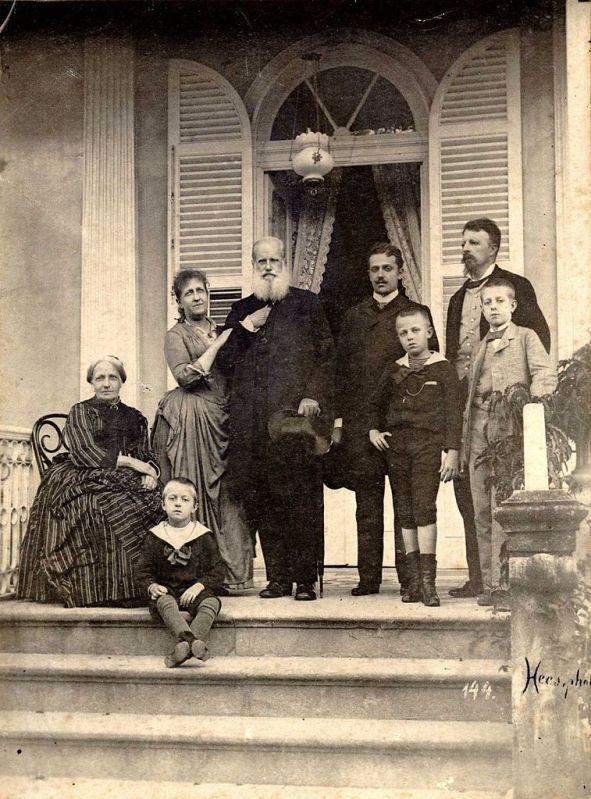 Dom Pedro II, Imperador do Brasil, e a família imperial.