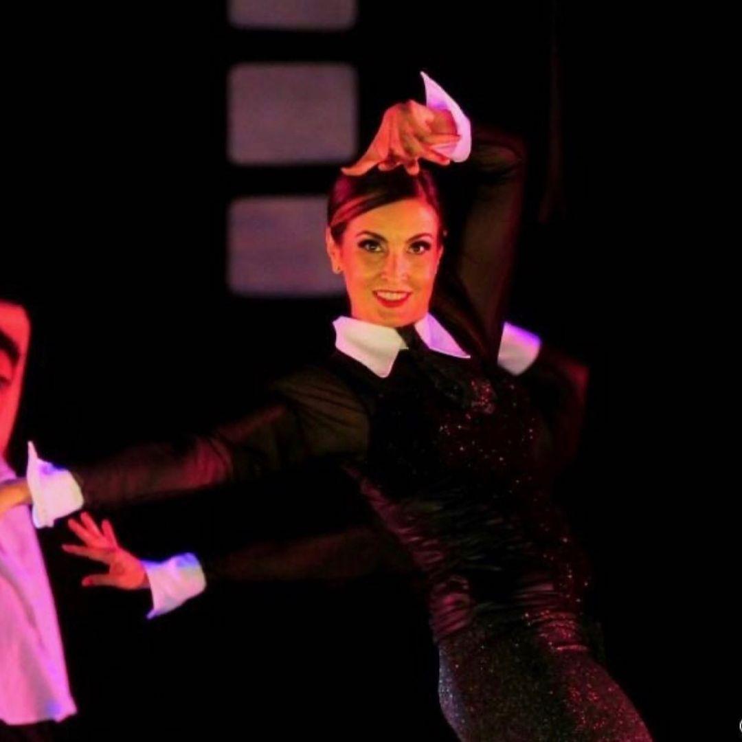 Jornalista dançando ballet.