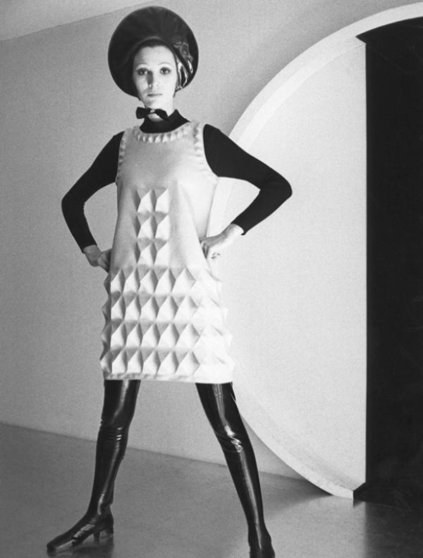 Vestido de Pierre Cardin