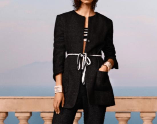 Terno Chanel com cinto amarração