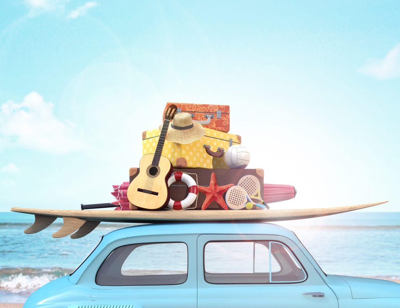 Carro viajando para praia, metas 2021.