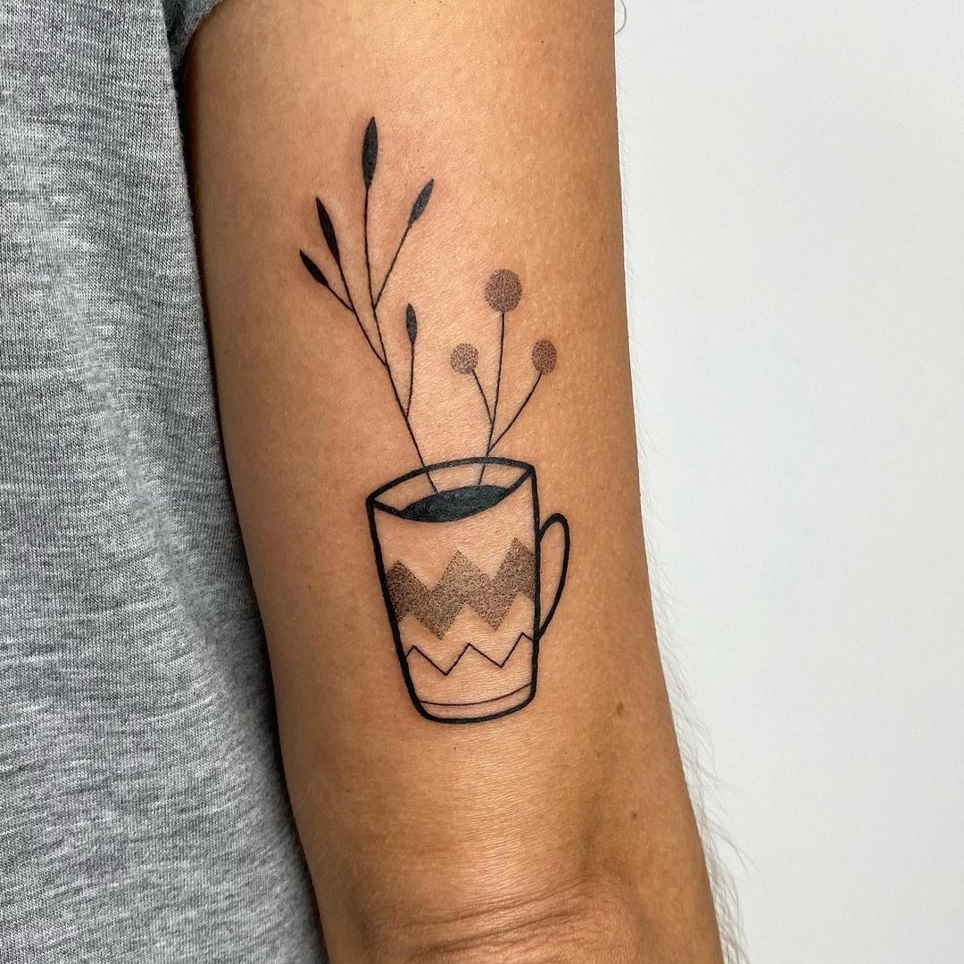 Tatuadores do Brasil - Minimalista feito por Dani Bianco.
