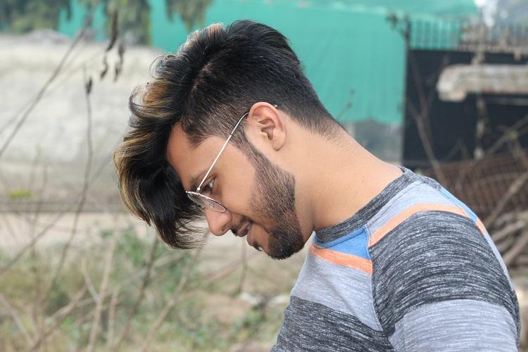 corte de cabelo undercut com franja para o lado