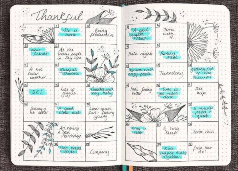 Bullet journal com calendário de gratidões