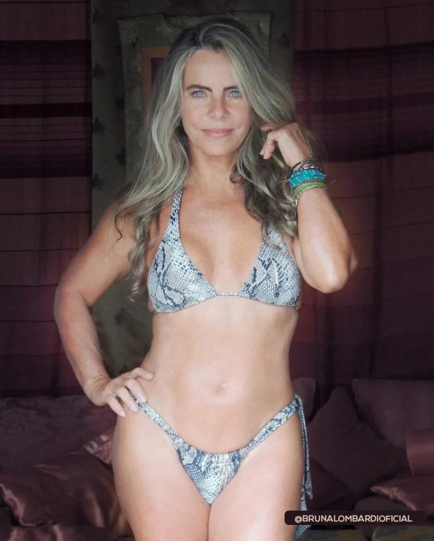 Bruna Lombardi de biquíni mínimo.