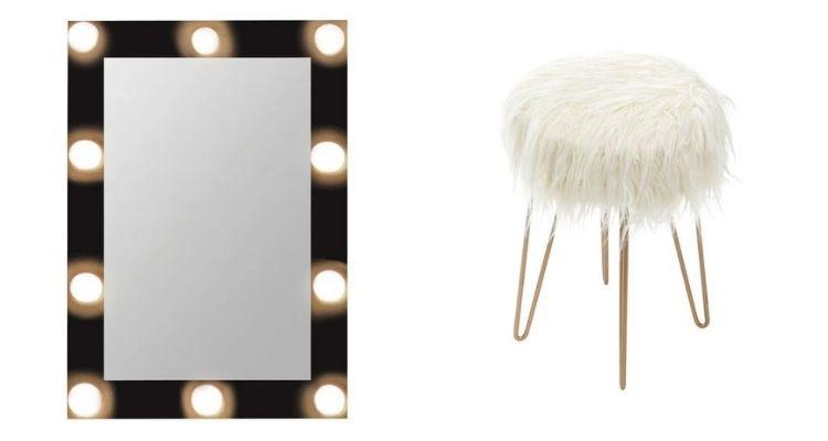 espelho de camarim e pufe peludo