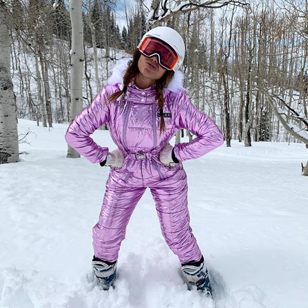 Anitta posa na neve