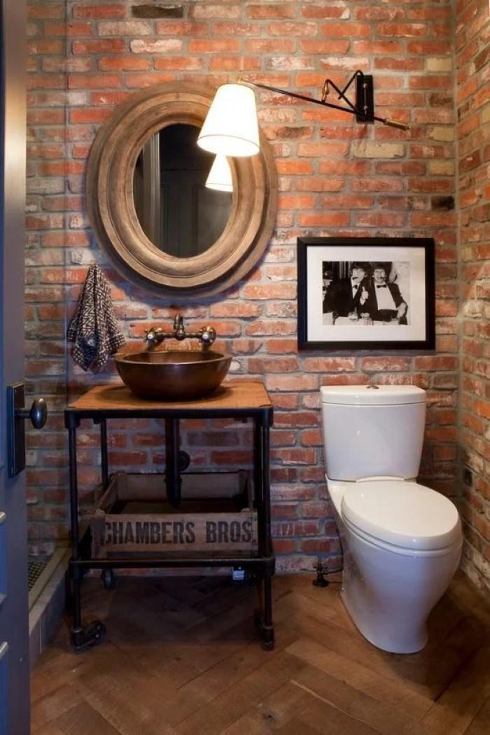 Banheiro estilo rústico.