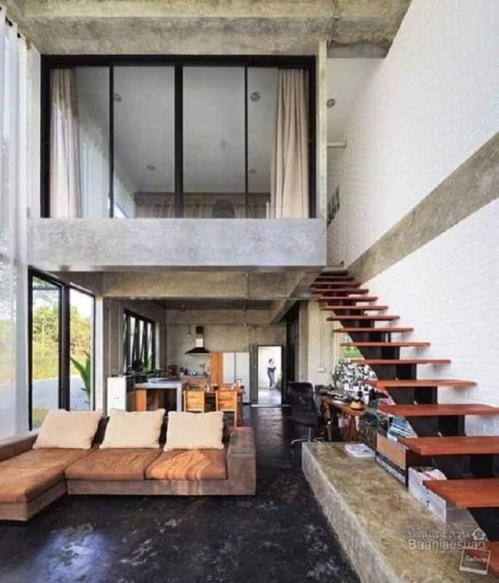 Casa industrial com cortina.
