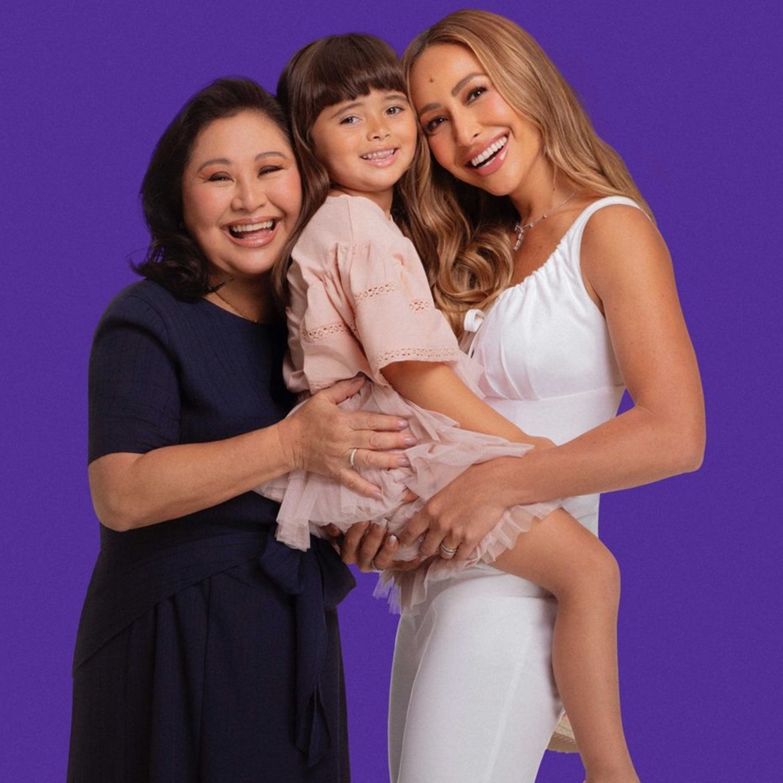 Mãe de Sabrina Sato, apresentadora e sobrinha.