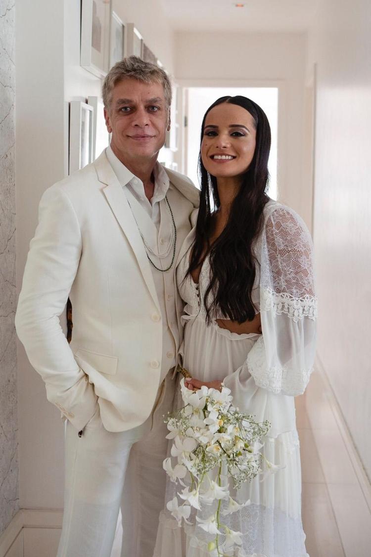Fábio Assunção e Ana Verena oficializam relação.
