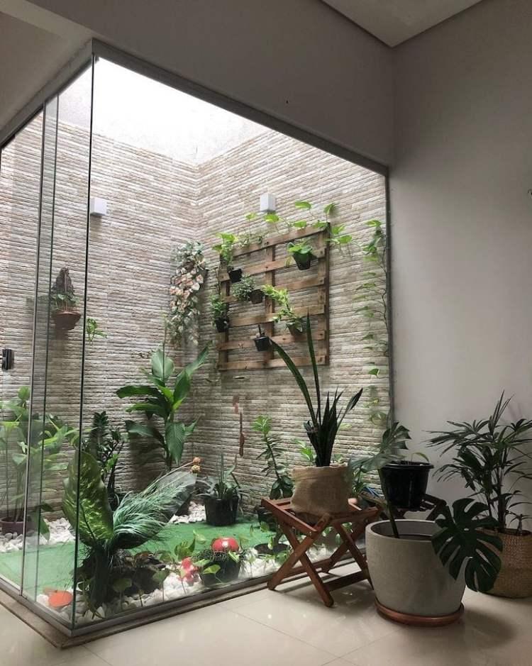 Jardim de inverno de vidro.