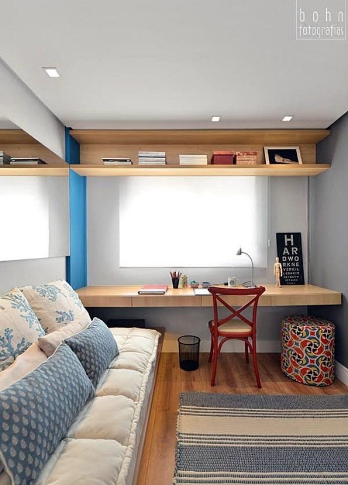 Mesa planejada no quarto de hóspedes.