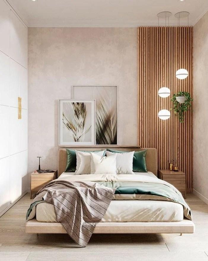 Faixa de madeira na parede.