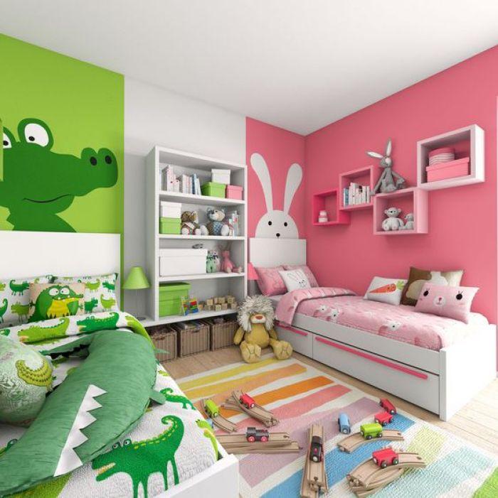 Quarto verde e rosa.