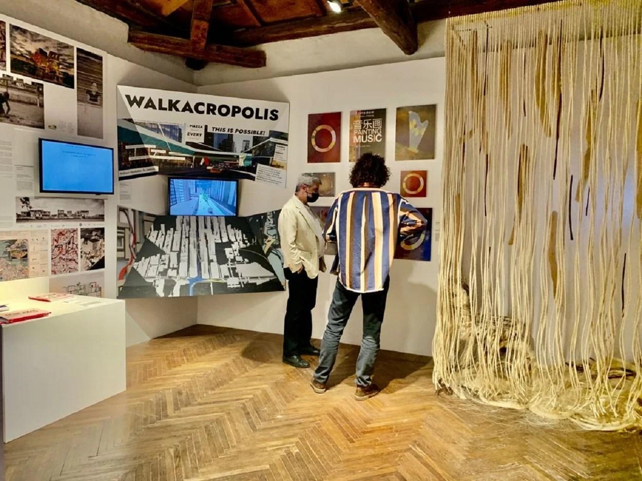 mostra Quando a Arte encontra a Arquitetura no Palazzo Mora