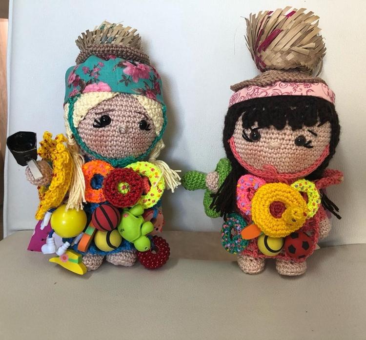 Bonecas de Thaís e Viih Tube.