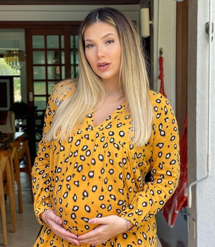 Virginia Fonseca grávida.