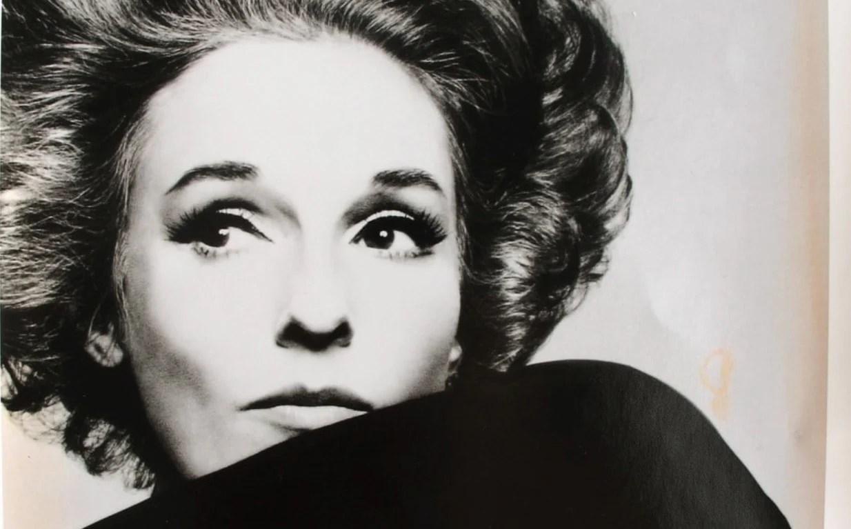 Retrato de Babe Paley nos anos 60.