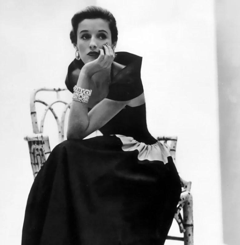 Babe Paley em 1946, posando para a Vogue.
